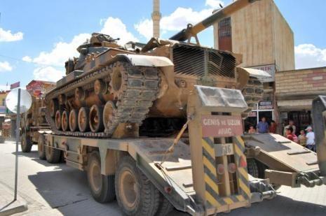 Suriye kobani sınırına askeri sevkiyat